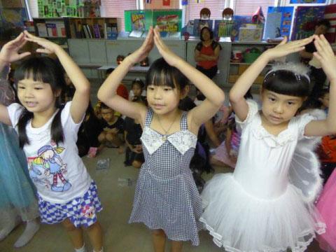 กิจกรรมเรียนพิเศษภาษาอังกฤษช่วงปิดเทอม (october kids)