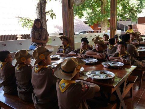 การอยู่ค่ายพักแรมลูกเสือ เนตรนารี นักเรียนระดับชั้นประถมปีที่ 4 6