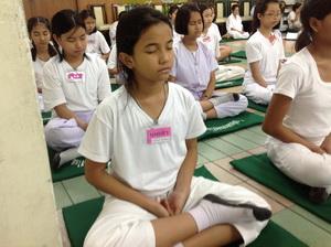 อบรมพัฒนาจิตให้เกิดปัญญาและสันติสุข ปีการศึกษา 2556