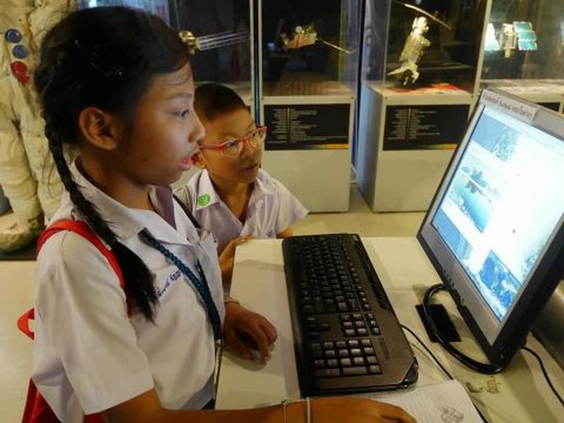 ทัศนศึกษาท้องฟ้าจำลอง นักเรียนระดับชั้นประถมศึกษา 3 5
