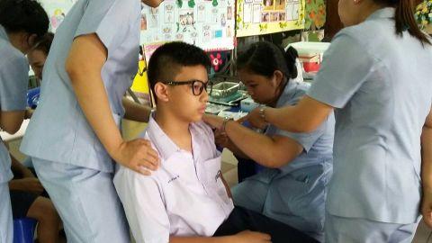 ฉีดวัคซีนป้องกันโรคบาดทะยัก คอตีบ (dt)